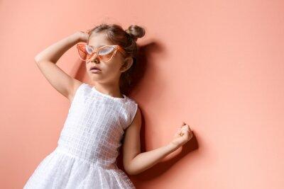Papiers peints Cute fashionable girl on color background