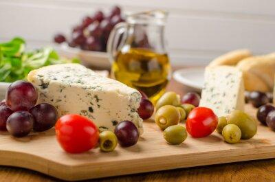Papiers peints Délicieux, bleu, fromage, olives, raisins, salade