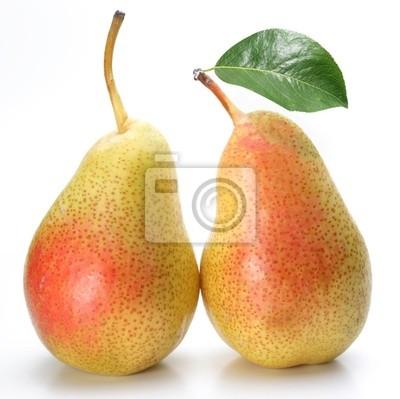 Deux poires appétissants avec une feuille.