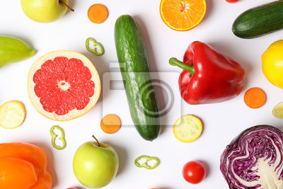 Papiers peints Different vegetables and fruits on white background, top view