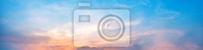 Papiers peints Dramatic panorama sky with cloud on sunrise and sunset time. Panoramic image.
