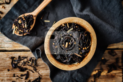 Dried black tea with spices