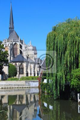 Papiers peints Eglise Abbatiale de Vendôme soi reflétant dans Le Loir