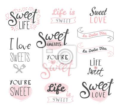 Papiers peints Ensemble d'éléments de typographie différents sur les bonbons, la vie et l'amour, texte italien La dolce vita (Sweet life). Objets isolés sur fond blanc. Dessert de concept design, les enfants.