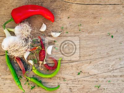 ensemble de légumes sur un fond en bois