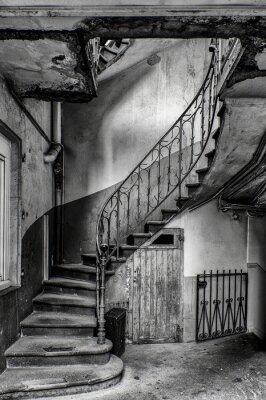 Papiers peints escalier vétuste