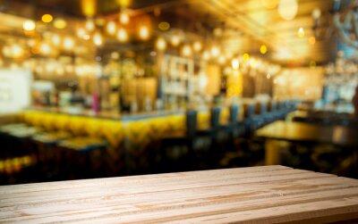espace de travail en bois et intérieur du bar et espace pour vous