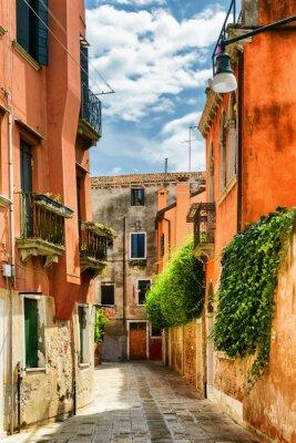 Papiers peints Façades de vieilles maisons sur la rue Gradisca Cannaregio, Venise