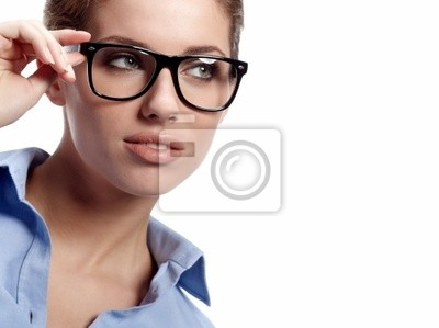 femme d'affaires dans les verres