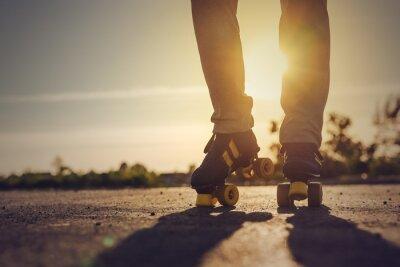 Papiers peints Femme équitation Roller Skates en milieu urbain