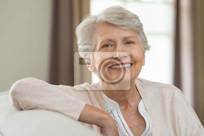 Papiers peints Femme senior heureuse