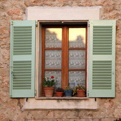 Fenetre Rustique fenêtre rustique avec volets en bois dans la maison rurale en papier
