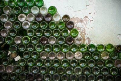 Papiers peints Fond de la texture de la bouteille. Verre, close-up de bouteilles de vin vide sale, fond de fond de bouteille verte