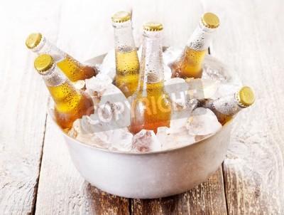 Papiers peints Froid, bouteilles, bière, seau, glace, bois, table