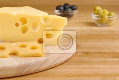 Fromage sur la planche à découper