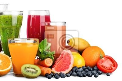 Fruit. Lunettes de fruits et de jus de légumes avec des fruits sur un