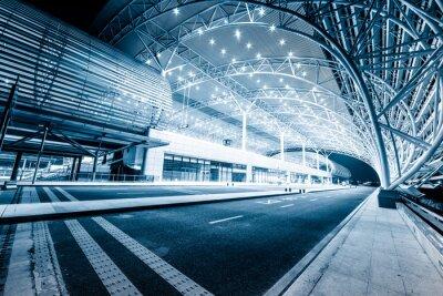 Papiers peints gare moderne dans la nuit