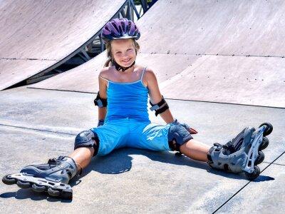 Papiers peints Girl riding on roller skates .
