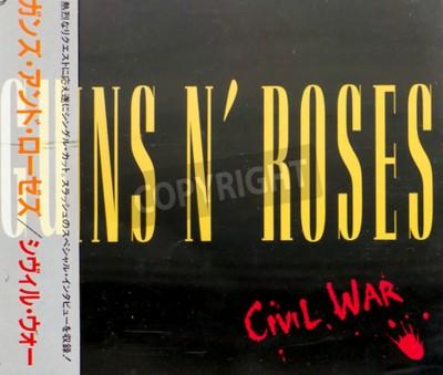 Papiers peints GOMEL, BELARUS - 18 AOÛT 2015: CD GUNS N ROSES Guerre civile (1993), Guns N Roses est un groupe de hard rock américain de Los Angeles formé en 1985.