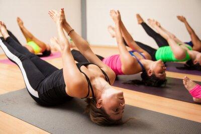Papiers peints Group of women during yoga class