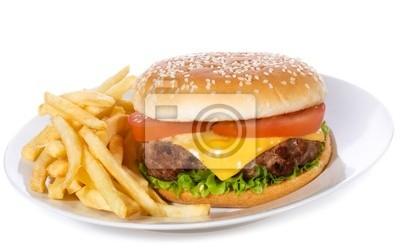 hamburger avec des légumes et des frites