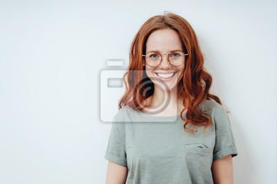 Papiers peints Happy vivacious young redhead woman