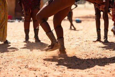Papiers peints Himba women dancing at their village