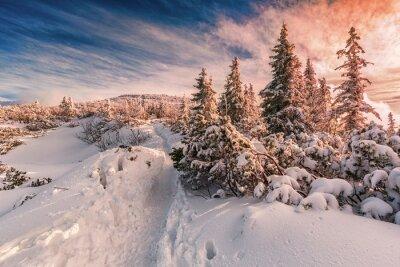Papiers peints Hiver, Coucher soleil, Beskids, montagnes