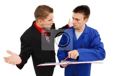 Homme d'affaires impatient avec l'employé