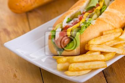 Hot-dog sur une plaque