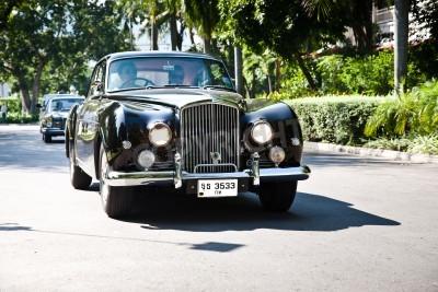 Papiers peints HUA HIN - Décembre 18: Bentley Continental 1961 année. Retro Car sur Vintage Car Parade 2010 à Sofitel Resort le 18 Décembre 2010 à Hua Hin, en Thaïlande.