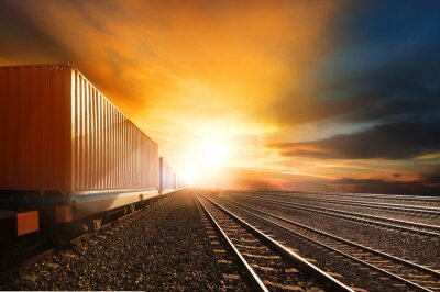 Papiers peints industry container trains running on railways track against beau