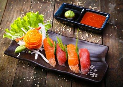 Papiers peints Japonaise, saumon, thon, sushi, sauce, closeup