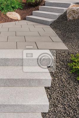 Papiers peints: Jardin contemporain en rocaille avec escalier extérieur en  granit,