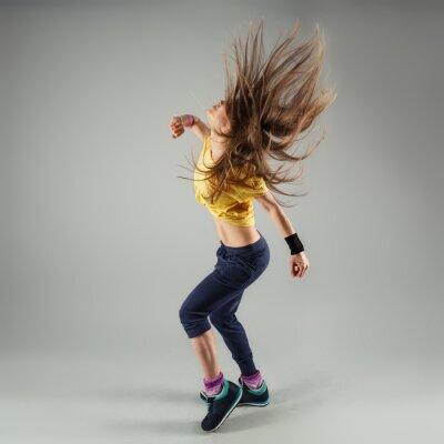 Papiers peints Jeune énergique Zumba Fitness danseuse déplacer en classe
