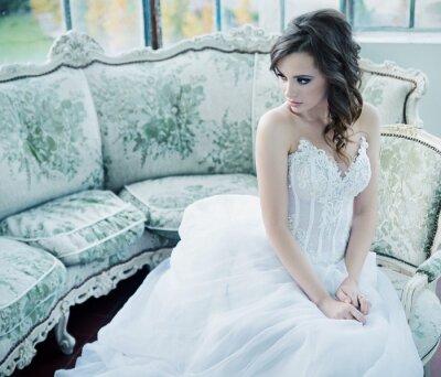 Papiers peints Jeune mariée sensuelle après réception de mariage
