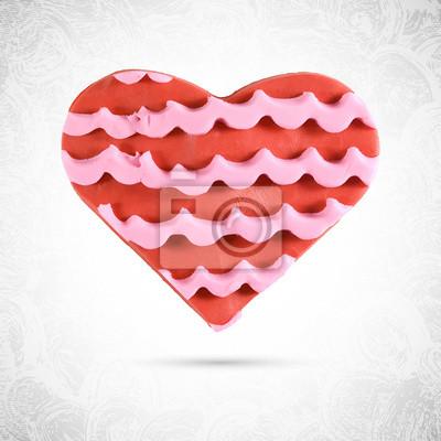 Jouer doh en forme de coeur rouge avec des cookies valentine rose fraise