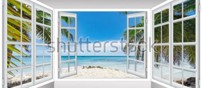 Papiers peints journée d'été ensoleillée la vue depuis la fenêtre sur la plage de la mer avec palmier