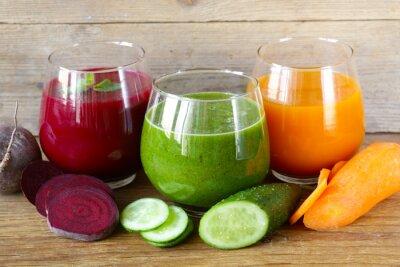 jus de fruits frais assortis à partir de fruits et légumes