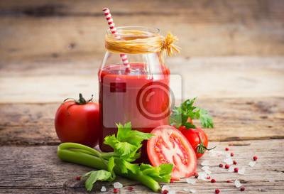 Jus de tomate dans le pot