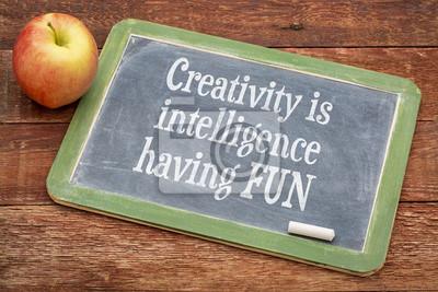 Papiers peints La créativité est l'intelligence en se amusant
