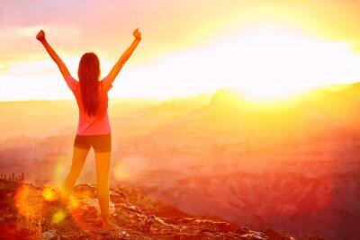 Papiers peints La liberté et l'aventure - femme heureuse, Grand Canyon