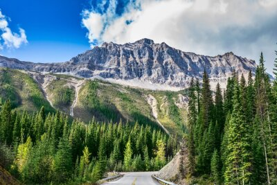 Papiers peints La route au parc national Yoho au Canada