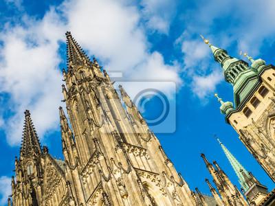La vue sur la cathédrale Saint-Guy à Prague à partir de baisse