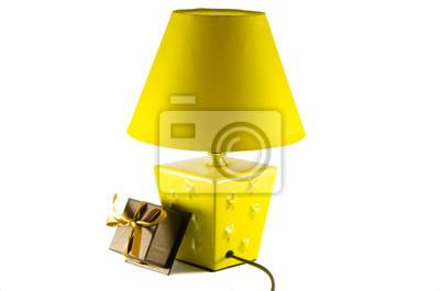 Papiers Peints Lampe De Chevet Jaune Et Boite Avec Un Cadeau