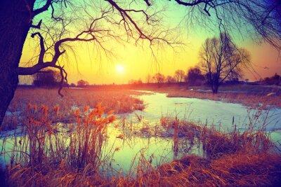 Papiers peints Le paysage rural. Coucher de soleil sur le lac