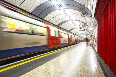 Papiers peints Le tube arrive à la gare