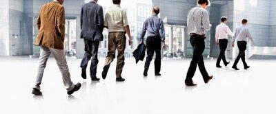 Papiers peints Les employés allant à l'encontre du bureau. Panorama.