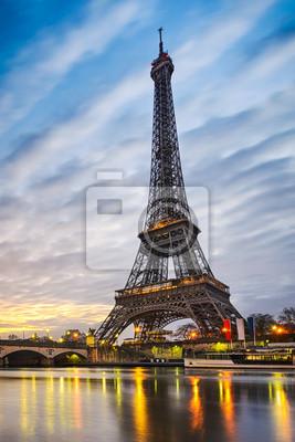 Papiers peints Lever de soleil à la tour Eiffel, Paris