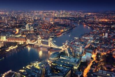 Papiers peints Londres la nuit avec des architectures urbaines et Tower Bridge